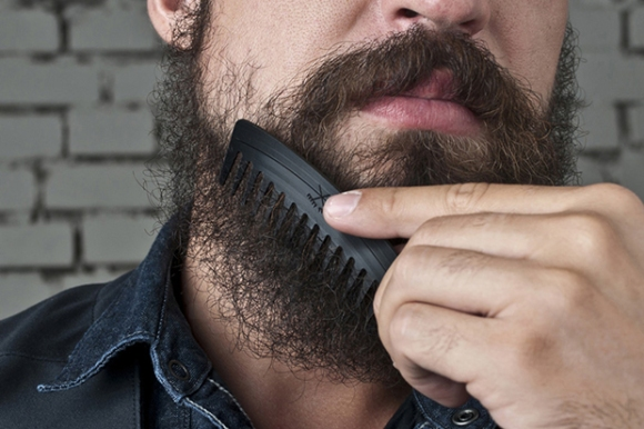 upstairs-shop-grably-comb-vinyl-records-hair-accessory-designboom-06-1